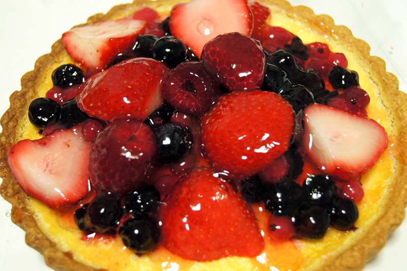 かにわしタルト店の春いちごとberryのチーズタルト
